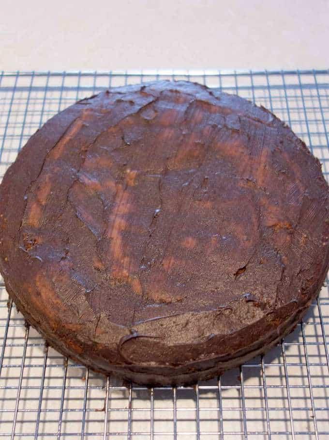 Crumb Coat for Reine de Saba