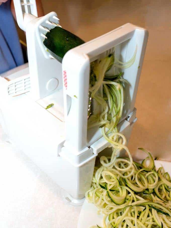 Spiralizing zucchini