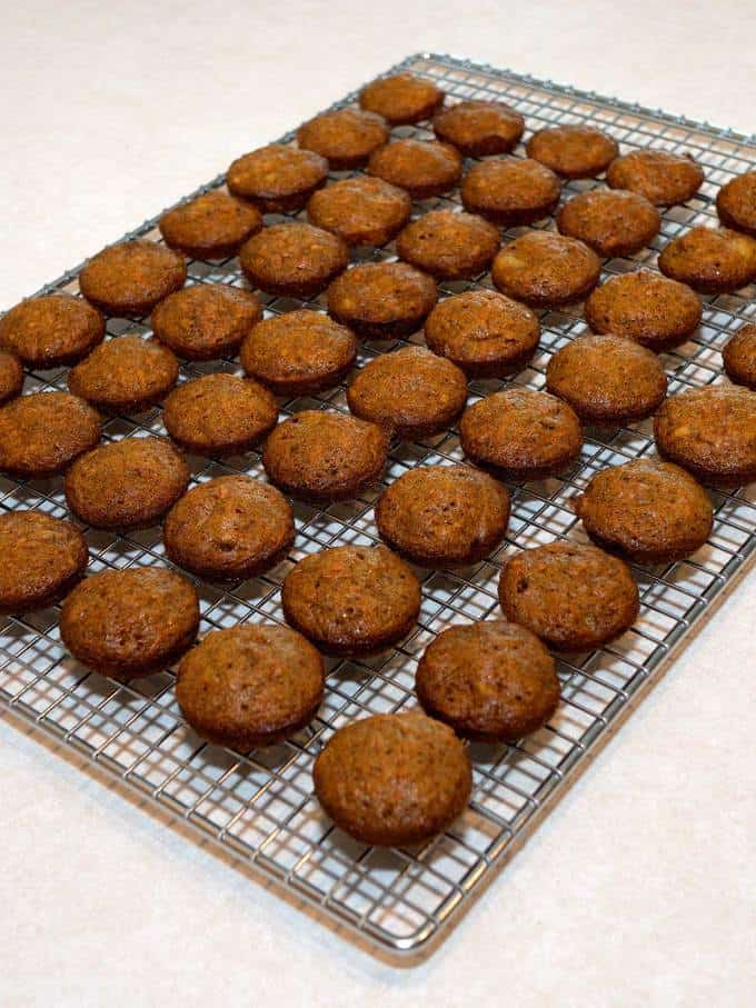 Cooling the carrot cake pieces
