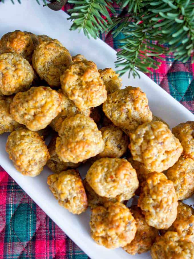 Easy Cheesy Sausage Cheese Balls
