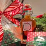 Make Your Own Vanilla Extract - The perfect DIY Christmas gift.