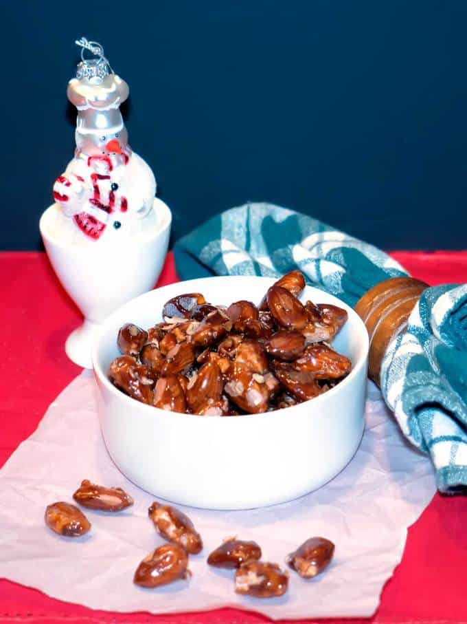Caramelized Almonds are perfectly sweet and deliciously crunchy.