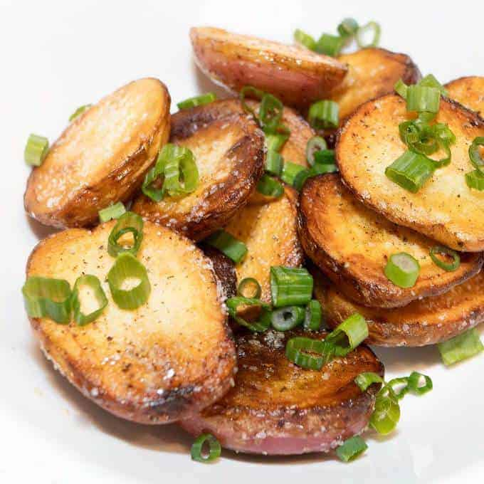 Easy Way To Cook Roasted Red Potatoes: Easy Stove Top Roasted Potatoes