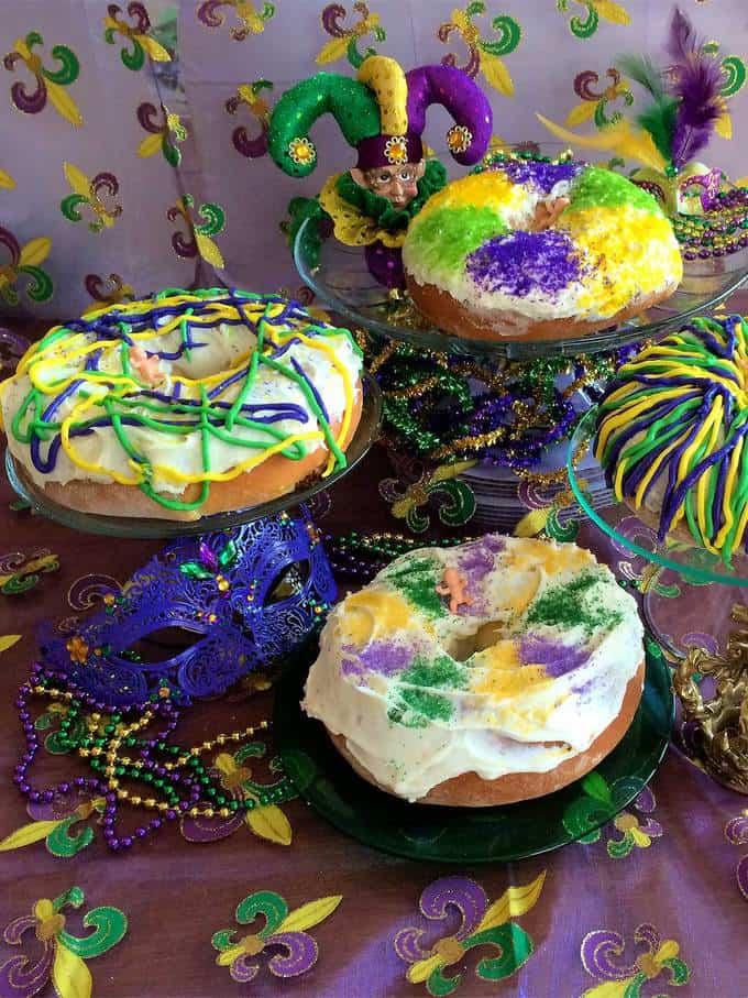 Mini Mardi Gras King Cakes