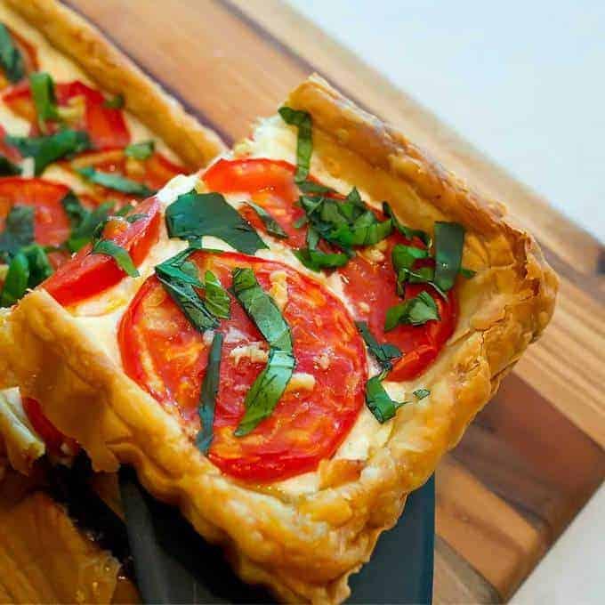Fresh tomato tart in puff pastry