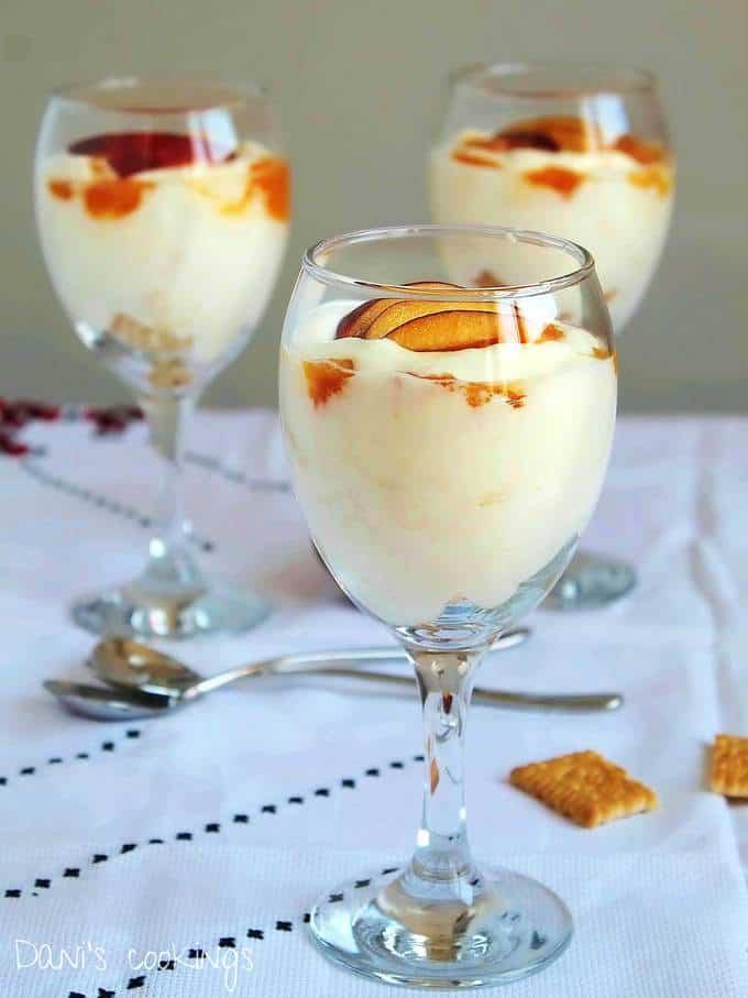 Easy Dessert with Peaches, Cream and Mascarpone