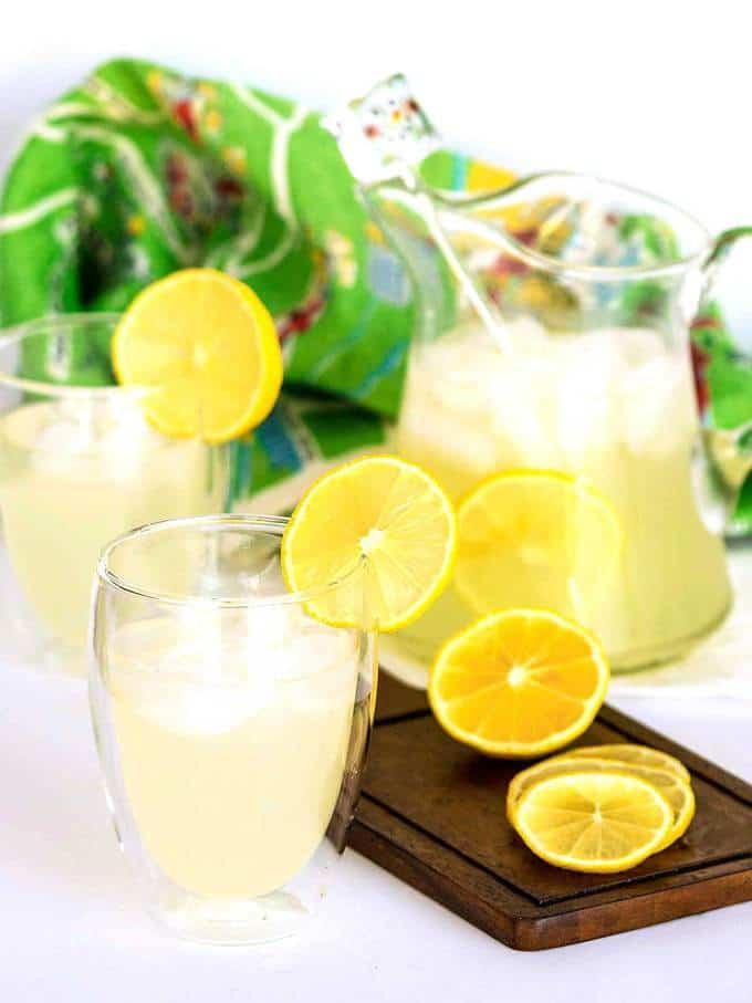 Easy Old Fashioned Lemonade
