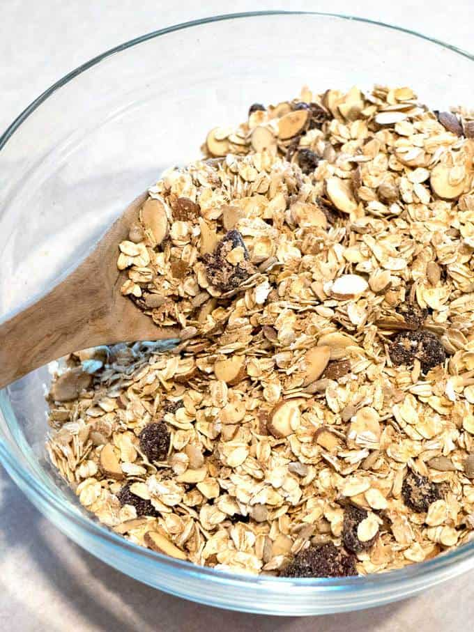 Combining Muesli Ingredients