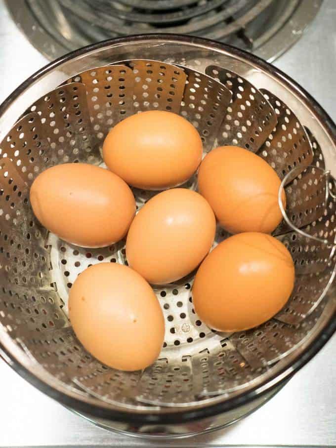 Eggs in steamer basket