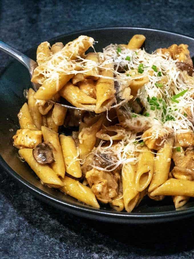 Easy Creamy Chicken Marsala Pasta