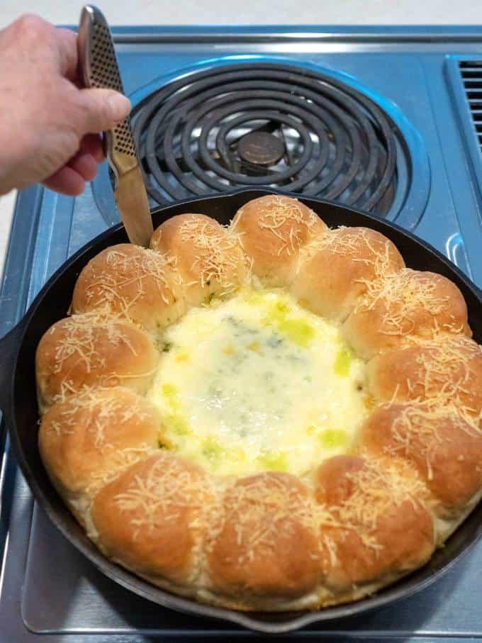 Loosening Rolls in Spinach Artichoke Bread Ring Dip