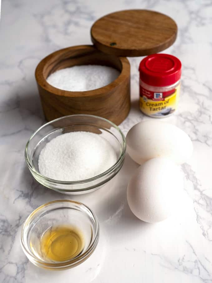 Ingredients for Meringues Chantilly
