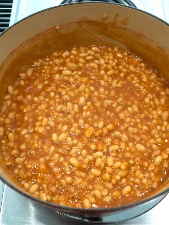 Bohnen nach dem Andicken mit Maisstärke und Wasser