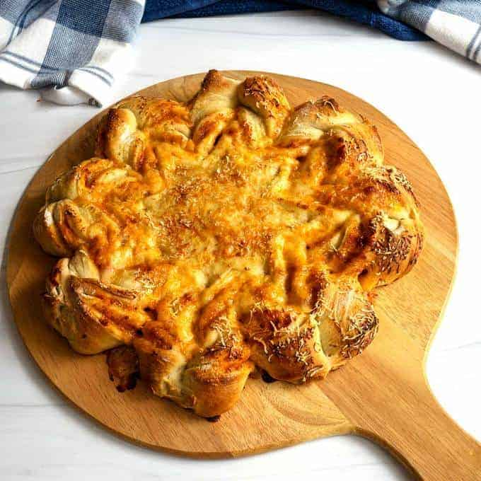 Pizza Star Bread