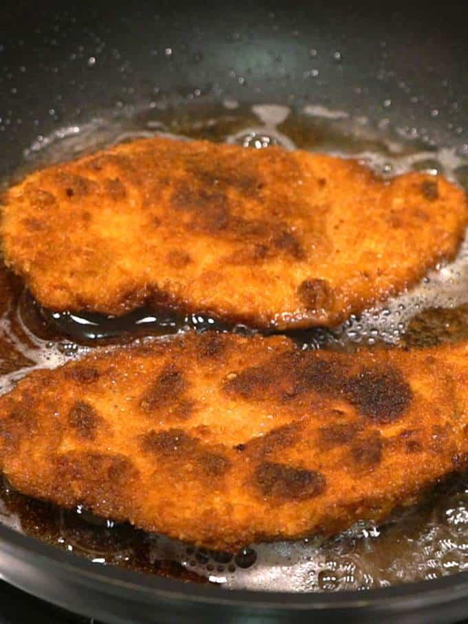 Cooking chicken schnitzel