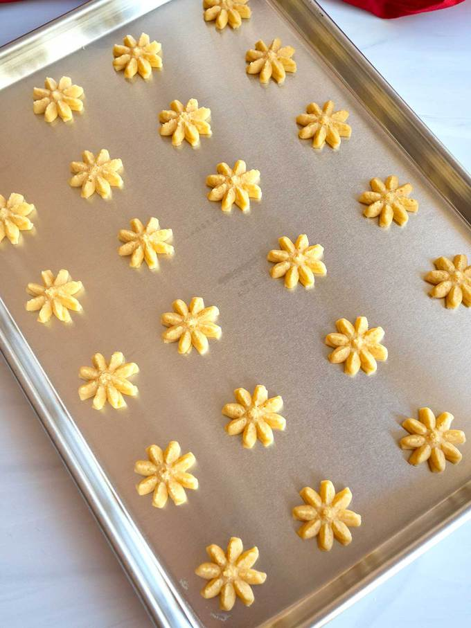 Cheese Crackers ready for the oven.