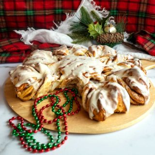 Featured Cinnamon Snowflake bread