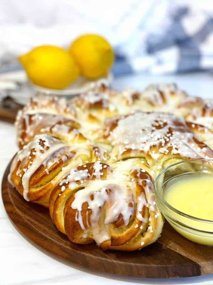 Lemon curd star bread