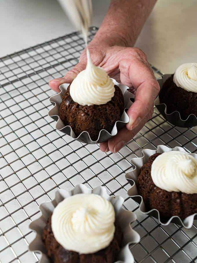 Swirling the Frosting