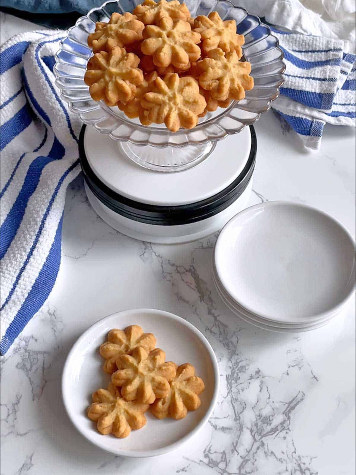 Southern Cheese Spritz Crackers